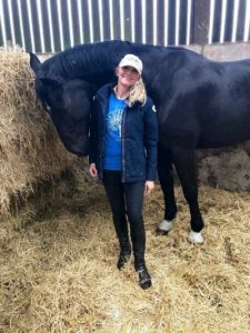 Theresa Sanders with horse